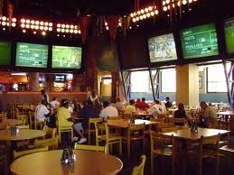 Commercial 905 699 5860 or sports bar create the ideal experience for customers with entertainment displays video distribution raising and lowering motorized display lifts aloadofball Images